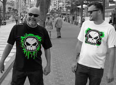 Benidorm 2018. (CWhatPhotos) Tags: cwhatphotos nofear no fear tshirts skull tshirt father son color select partial green people sand sun light sunlight blue sky skies olympus four thirds 43 omd em10 ii digital camera photographs photograph pics pictures pic picture image images foto fotos photography artistic that have which with contain artistc benidorm beach seaside resort spain costa blanca spanish fun hol holiday september 2018