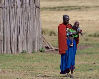 IMGP6880 Maasai mother and son