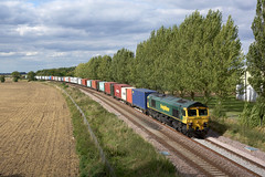66515 Donington (Gridboy56) Tags: freight freightliner felixstowe europe england emd gm shed locomotive locomotives liner uk trains train railways railroad railfreight intermodal wagons class66 cargo containers 66515 4l87 donington lincolnshire