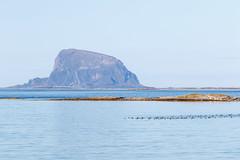 Lovund (Frode....) Tags: lovund hav ocean tomma landskap mountains helgeland landscape coast fjell mountain