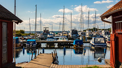 Late summer (Explore) (Cajofavi) Tags: sensommar fs180909 fotosondag hamn båtar brygga stensö kalmar sweden sky jetty boats water latesummer 港 ボート