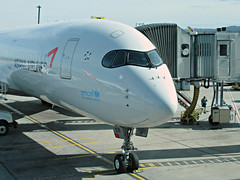 OZ A350-941 HL7579 (kenjet) Tags: sfo sf ksfo international airport sanfranciscointernationalairport nose cockpit airbus 350 a350 a359 a350900 a35094ki hl7579 plane flugzeug jet airline airliner raccoon raccooneyes raccoonmask bandit gate terminal ramp tarmac