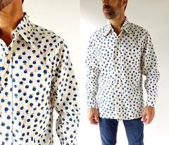1970s blueberry (or blue apple) print shirt (Small Earth Vintage) Tags: smallearthvintage vintageclothing vintagefashion vintagemenswear shirt 1970s 70s blueberry noveltyprint fruitprint blueapples