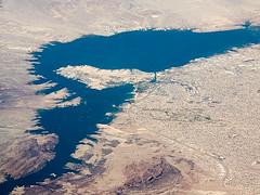 Lake Havasu and Lake Havasu City, Arizona. P2018-0617T151420 (Tim and Renda) Tags: year2018 southwestairlinesflight3371 chicagotosandiegoflight iso32 shutterspeed560thofasecond coloradoriver londonengland azlakehavasucitylarnedslanding larnedslanding arizona fstop24 focallength6mm windowviews usa riversstreamsandwaterways june17 unitedstatesbureauofreclamation southwestairlines geo:lon=11402256197 stateofarizona lakehavasucity robertpmcculloch londonbridge geo:lat=3435602300 grandcanyon t1314 aviation bodiesofwater sandiegocaliforniatrip windowviewswhileinflight parkerdam samungsmg965u1t unitedstates lakehavasu md0617 geotagged