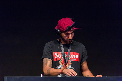 DJ with Shirt by Supreme at Gamescom 2018