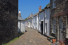IMG_3987_edited-1 (Lofty1965) Tags: boscastle cornwall cobbles streat village white cottage