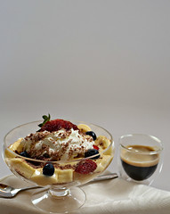 2018 Sydney: Coffee + Mini Trifle (dominotic) Tags: 2018 coffee food fruit dessert minitrifle espresso coffeecup coffeeobsession yᑌᗰᗰy sydney australia