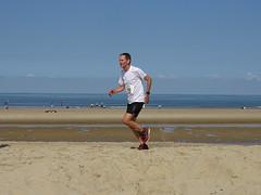 DSC08948 (corradookp) Tags: kustloop vrouwenpolder strand oostkapelle running beach run
