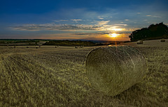 5 more days 'til summer (Karl Ruston) Tags: landscape sunset field sky outdoor yorkshire rotherham clouds reflections farm grass