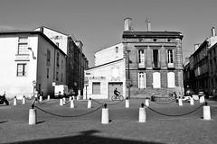 Place Pierre Renaudel (just.Luc) Tags: bn nb zw monochroom monotone monochrome bw bordeaux gironde nouvelleaquitaine france frankrijk frankreich francia frança europa europe