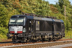 04_2018_09_02_Wanne_Eickel_Üwf_6193_671_DISPO_TXL (ruhrpott.sprinter) Tags: ruhrpott sprinter deutschland germany allmangne nrw ruhrgebiet gelsenkirchen lokomotive locomotives eisenbahn railroad rail zug train reisezug passenger güter cargo freight fret herne wanne eickel wanneeickel üwf dispo mrcedispolok eloc ell vectron wlh siemens vossloh mak 1275 6182 6193 es64u2 es 64 u2 txl txlogistik schienen weiche outdoor logo natur werbung