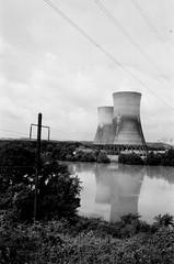000386390018 (bullvw53) Tags: argus c44 eastman doublex bw film 200 three mile island tmi nuclear reactor 2 meltdown