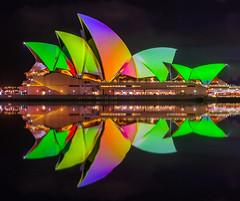 Colour Reflected (Jared Beaney) Tags: canon6d canon australia australian photography photographer travel vividsydney 2018 sydney circularquay sydneyoperahouse projectionshow projections colour bright night