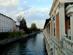 ljubljana-râul ljubljanica(explore) (băseşteanu) Tags: ljubljana ljubljanica slovenia rau river apa water landscape city oras urban