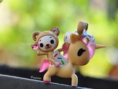 Yeehaw! (tiramisu_addict) Tags: biscotti unicornos minifigs toys simonelegno tokidoki tokidokiaddict