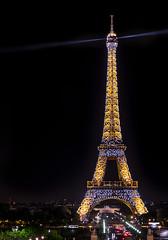 La torre Eiffel (Francisco Esteve Herrero) Tags: latorreeiffel eiffel parís francia franciscoesteveherrero pacoesteveherrero sigma1750 nikond5300 nocturna 2018 luces