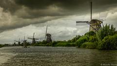Moulin à vent à Kinderdijk paysage près de Rotterdam aux Pays-Bas (musette thierry) Tags: moulin vent paysage holande musette thierry d800 site nikon promenade mill kinderdijk rotterdam unesco ete pluie