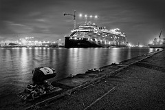(3quilibre) Tags: nikon d750 1424f28 noir blanc nb black white bw noiretblanc port celebrity edge