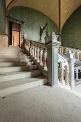 Mauro Amoroso © (Mauro_Amoroso) Tags: urbex abandoned chateau castle mauroamorosoadventures room natgeo natgeotravel nationalgeographic nikon nikonitalia nital natgeocreative dusty dustysecrets