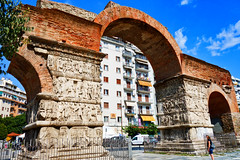 Thessaloniki: Arch of Galerius, 3rd c (ARKNTINA) Tags: thessaloniki thessalonikigreece greece gr18 europe eur18 random6 city building architecture urban archofgalerius arch ruins romanruins ancientruins