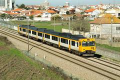CP 592.2 (Fábio-Pires) Tags: portugal cp 5922 cp5922 aveiro 592 cp592 automotora railcar commuterunit cpregional marcha special especial 92220 aradas linhadonorte renfe camello diesel tracçãodiesel