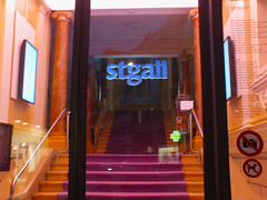 Eingang Textilmuseum (RUNA - spotlight) Tags: stgallen textilmuseum dessign stickerei textil archiv eingang