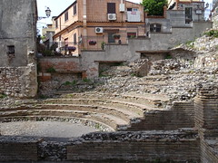Small classical theatre, Taormina (4) (Gauis Caecilius) Tags: classical theatre taormina scavi sicily sicilia italy italia italie ancient archaeology archéologie arqueología archaologia archeologia archäologie excavations