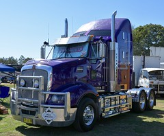 Kenworth T609 (quarterdeck888) Tags: trucks photos truckphotos australiantrucks outbacktrucks workingtrucks primemover class8 overtheroad interstate frosty quarterdeck jerilderietrucks jerilderietruckphotos flickr bdoubles lorry bigrig highwaytrucks interstatetrucks nikon truck kenworth kenworthclassic kk kenworthclassic2018 truckshow truckdisplay workingclasstrucks noprizes t609 squaretanks