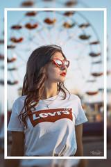 Luna Park (Ania Totaro) Tags: approvato girl model levis tshirt luna park lunapark color colours life