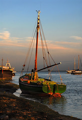 Endeavour (John_E1) Tags: fishing smack boat wooden vessel leigh sea essex estuary thames shore green evening endeavour