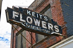 Keits Flowers, Bay City, MI (Robby Virus) Tags: baycity michigan mi keits flowers florist neon sign signage rear parking