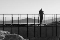 El fotografo solitario (Micheo) Tags: spain castillodeonda castellón ruinas mayores imserso blancoynegro blackandwhite viaje excursión visita castillo