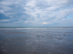_1210585 (Pascal Heymans) Tags: 8434 belgië fotokunst noordzee strand vlaamsekust westvlaanderen zee contemporarylandscape photo photography sociallandscape urban urbanlandscape westende westendebad