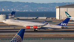 SAS (LN-RKG) (A Sutanto) Tags: sfo ksfo airport san franciso plane spotting sas sk airlines a340 a343 lnrkg
