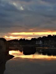 Coucher de soleil sur le port de Ploumanac'h (chriscrst photo66) Tags: landscape paysage coucher de soleil mer sea maison rocher granit rose bretagne port ploumanach nikoncoolpixp900 reflets