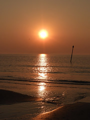 Netherlands-201804-68-Sunsetting-19Apr-PoleMarker (Tony J Gilbert) Tags: holland scheveningen denhaag nikon landscapes netherlands thehague hague
