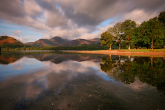 Derwentwater Morning Reflections (Andy Watson1) Tags: derwentwater keswick lakedistrictnationalpark lakedistrict cumbria morning england unitedkingdom greatbritain friarscrag catbells reflections light mountains fells canon70d landscape landscapephotography photography scenery view longexposure clouds nature outdoor shadow blue green grey trees