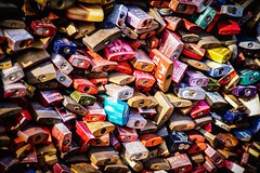 Love ❤️  lock 🔐 Cologne (Christian Passi - Steher82) Tags: lovelock liebesschloss schloss key schlüssel herz heart love happy köln cologne germany sonya6000 a6000 photography photo color farbe colors deutschland reisen travel contrast kontrast