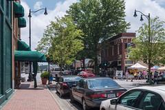 (jwcjr) Tags: streetscene people cars sidewalk streetlamp awning mariettaga mariettageorgia cobbcountyga pentax