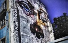 Olvidar el dolor, de palabras hirientes.. (Lola Lopez Nuñez) Tags: graffiti artecallejero lisboa portugal tristeza