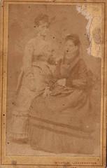Liederhoffer, Pest (Ferencdiak) Tags: liederhoffer vilmos pest király utca pekáry cdv women ladies blurry faces
