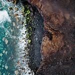 Bird eye view of a secluded beach / Vogelperspektive eines abgelegenen Strandes thumbnail