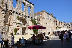 Silver gate (Split, Hrvatska 2018) (paularps) Tags: paularps arps travel reizen croatia kroatië hrvatska europa europe culture nature 2018 nikon nikond7100 beer ozujsko ozujskobeer flickr sailing islandhopping unesco worldheritagesite adriatic adriaticcoast zeilen fietsen biking island islands