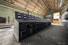 Zrezlý pultík (Michal Seidl) Tags: abandoned hydro powerplant abandonné centrale electrique opuštěná vodní elektrárna hdr urbex canon industry infiltration interior france architecture building decay