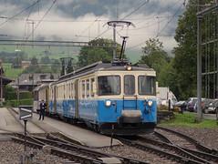 ABDe 8/8 4004 der Montreux - Berner Oberland Bahn (MOB) in Saanen (hrs51) Tags: schweiz suisse switzerland svizzera schmalspur schmalspurbahn mob montreux berner oberland bahn train treno zug abde 88 doppeltriebwagen railcar stoll hans rudolf hansruedi