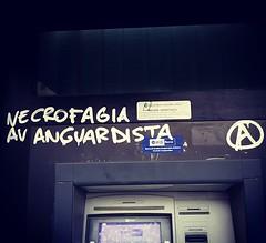 Largo all'avanguardia (WWW.CAINA.IT) Tags: weird caina bizarre reportage