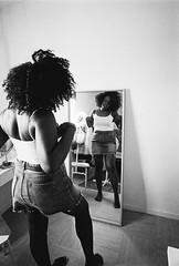 L4990348 (RG-Photographie) Tags: blackqueen portrait kodak trix iso400 leica superangulon 21mm leicam4 analog argentique film beauty noire femme beleza negra intimity
