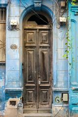 Doors Of Havana No. 5 (TablinumCarlson) Tags: amerika america karibik caribbean sea gulf atlantic ocean cuba republic antilles havanna havana habana leica kuba tür door entry white old alt vieja blau blue azur holz 620 leicam m240 m 50mm summicron