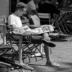 tagesspiegel (every pixel counts) Tags: 2018 berlin newspaper city café prenzlauerberg reading everypixelcounts blackandwhite helmholtzplatz 11 street eu people tagesspiegel square urban bw europa germany blackwhite coffee converse berlinalive