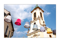 Künstlerdorf (Fujigraf) Tags: künstler dorf ungarn hungary bunt lichter kirche himme farbe color szentendre fujixf23mm1 xt20